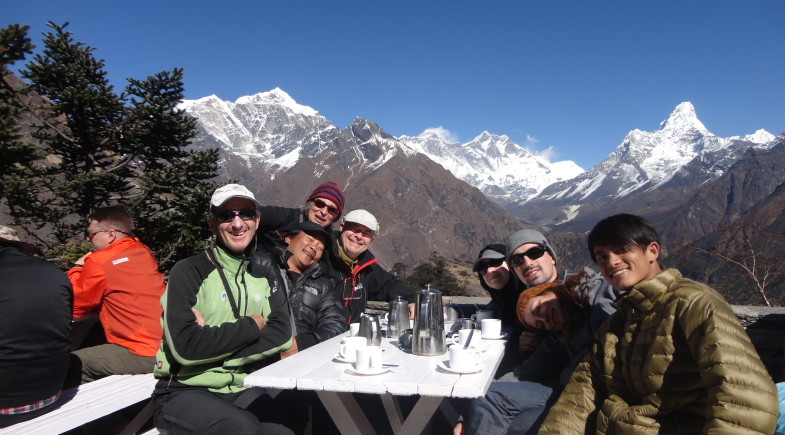 Family trek in Everest.