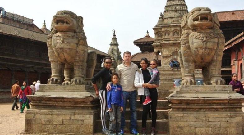 Family tour Nepal